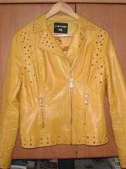 Продам куртку жёлтого цвета
